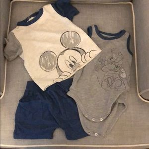 3/6mo Disney Baby onesie,T-shirt and Shorts set